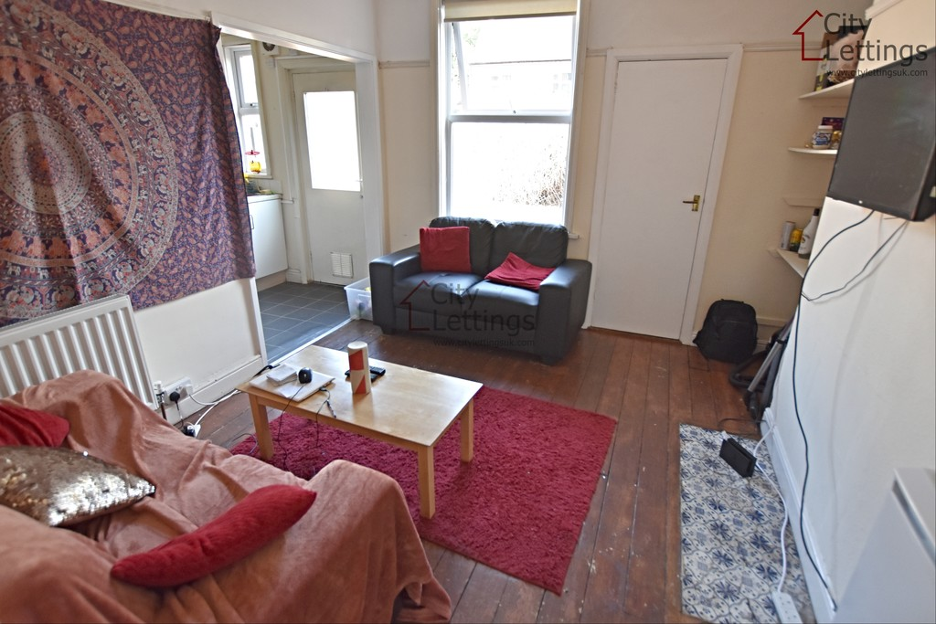 Ideally located student home