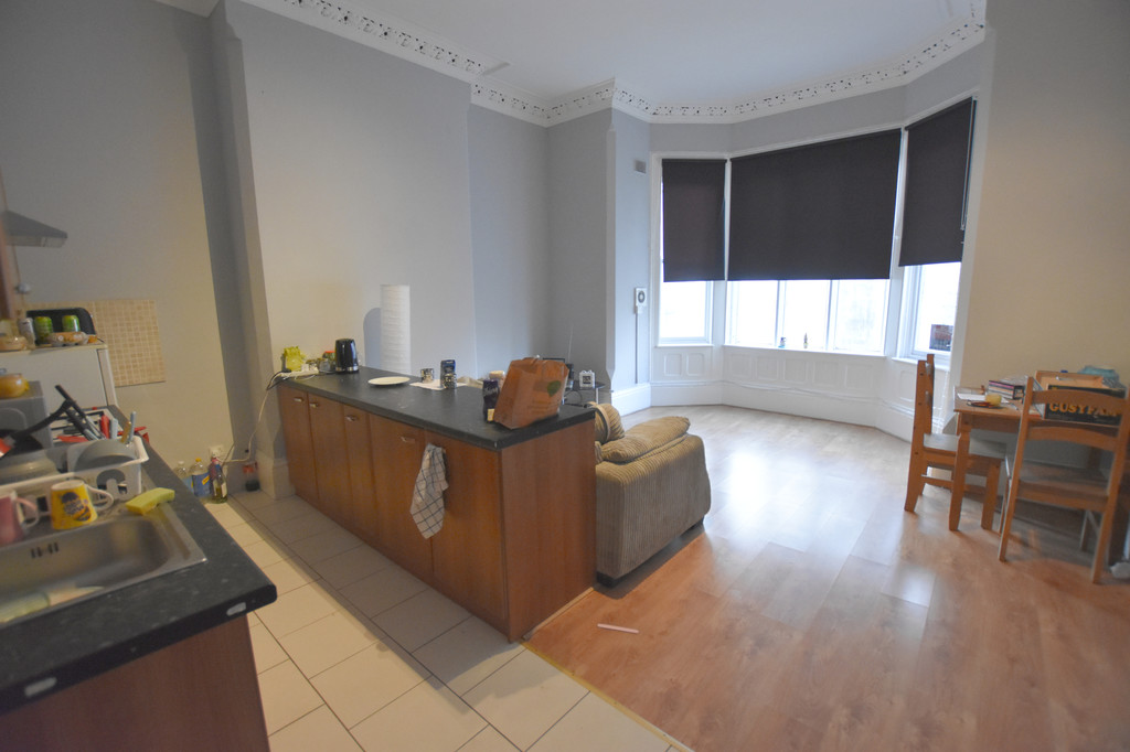 Very large 2 double bedroom flat