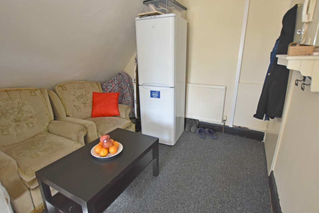 Good size self contained studio flat