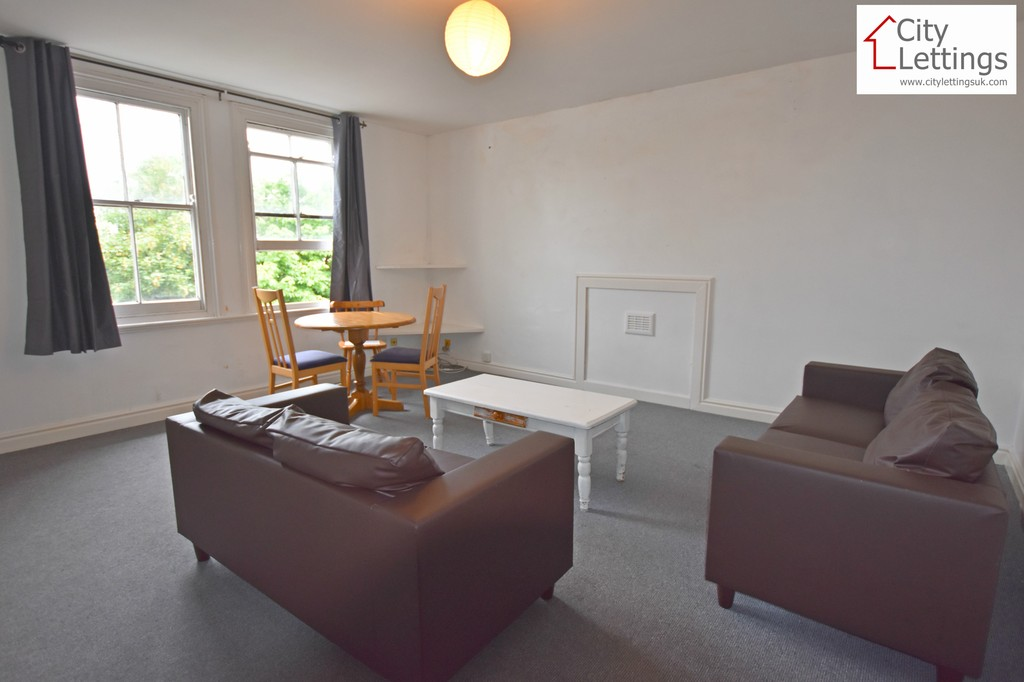 Large 3 double bedroom flat
