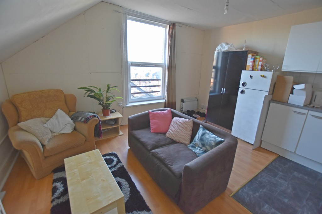 Perfectly located double bed flat
