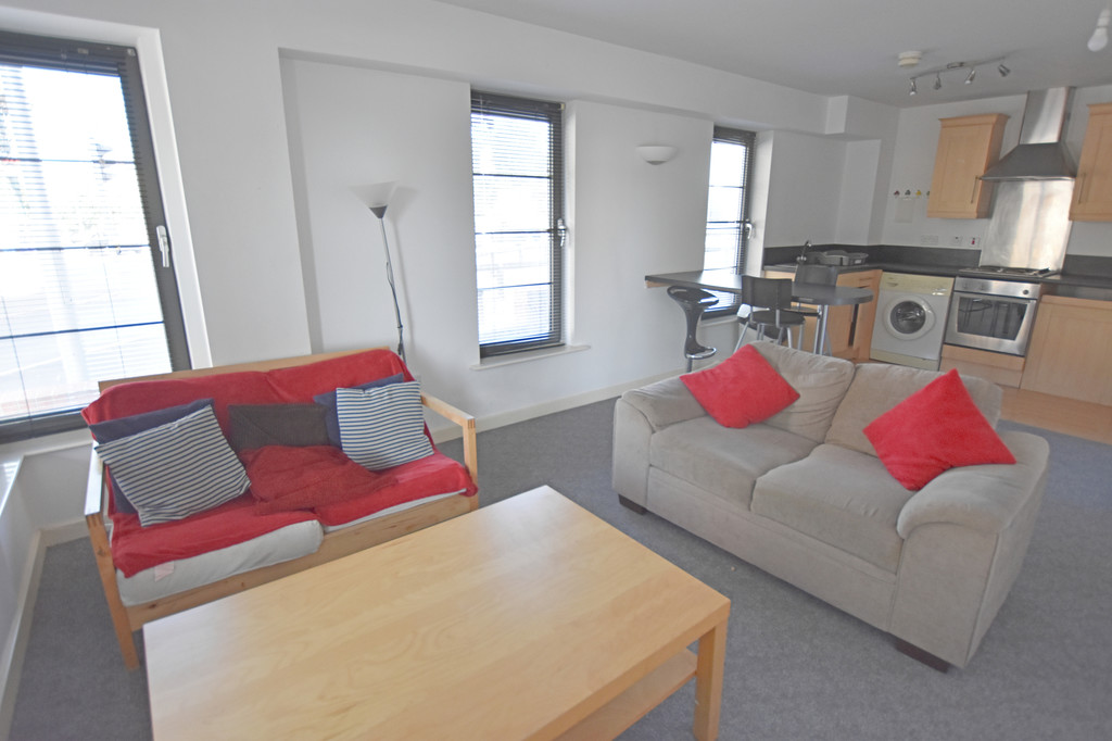 Good size 2 double bedroom apartment