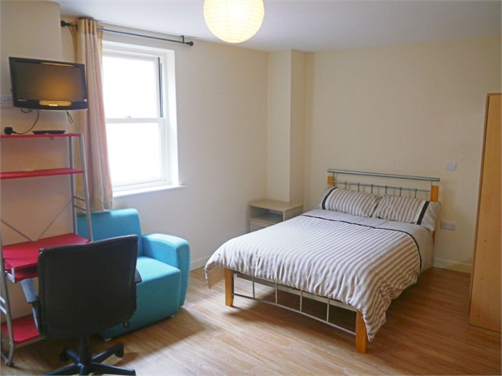 Modern self contained double bedroom studio