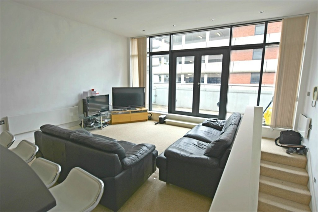 Very central 2 bed apartment