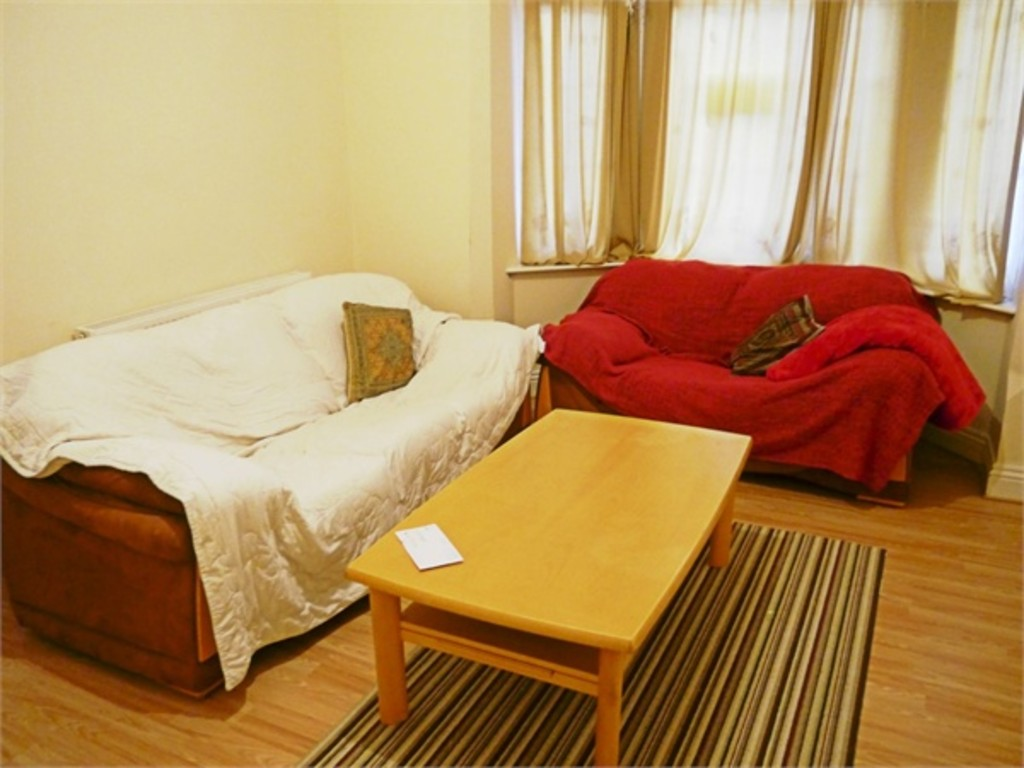 Large modern 5 double bed house
