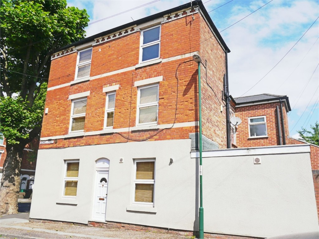Perfectly positioned 3 double bed house