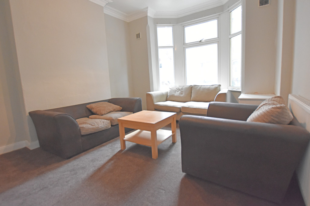 Spacious 2 double bed house