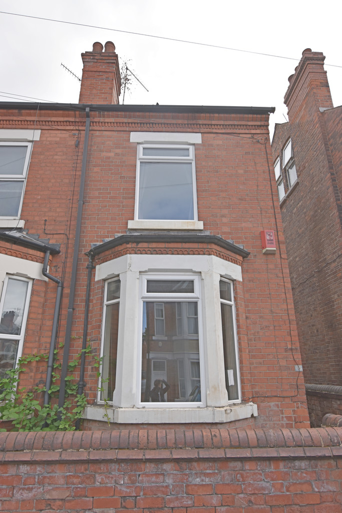 Popular located 4 double bed house