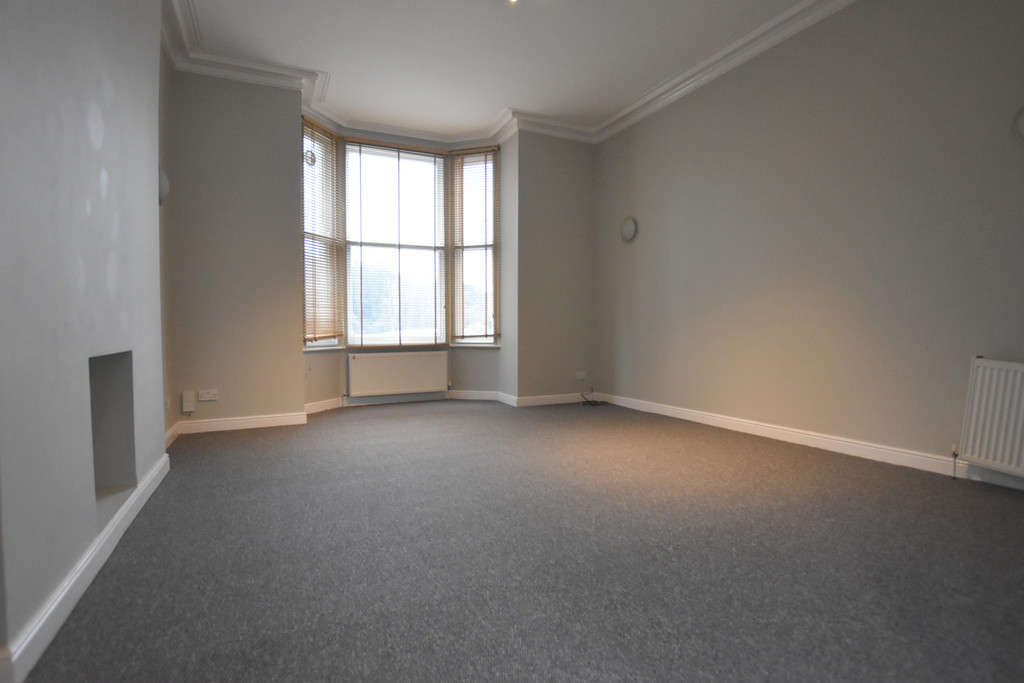 Large ground floor 2 bed flat