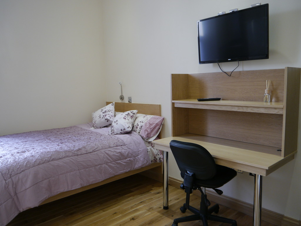12 double bedroom flat