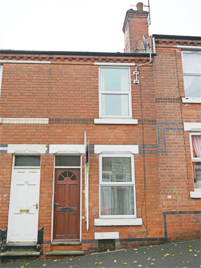 Good size 2 bed terraced house