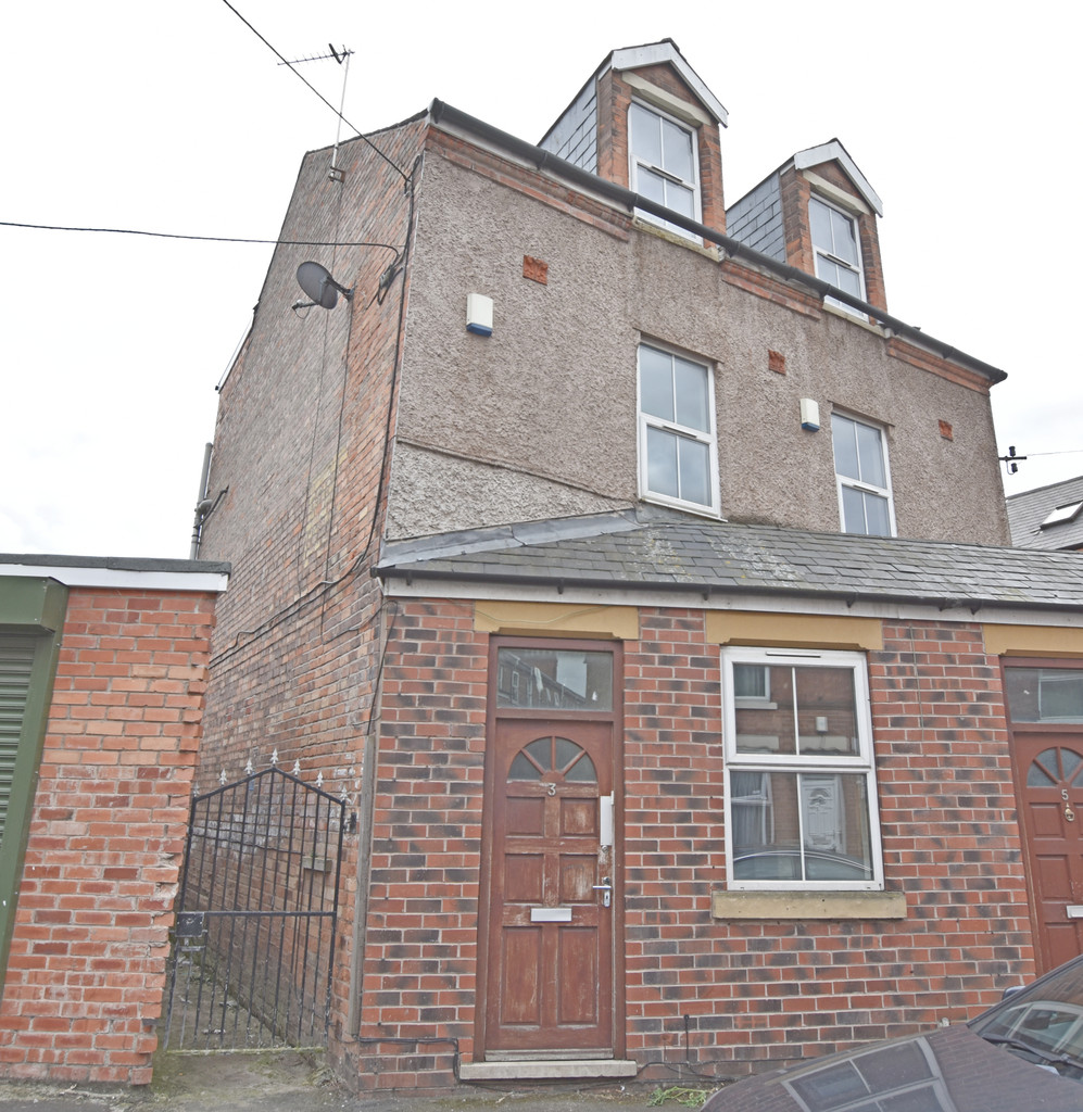 Completely refurbished 5 bed house