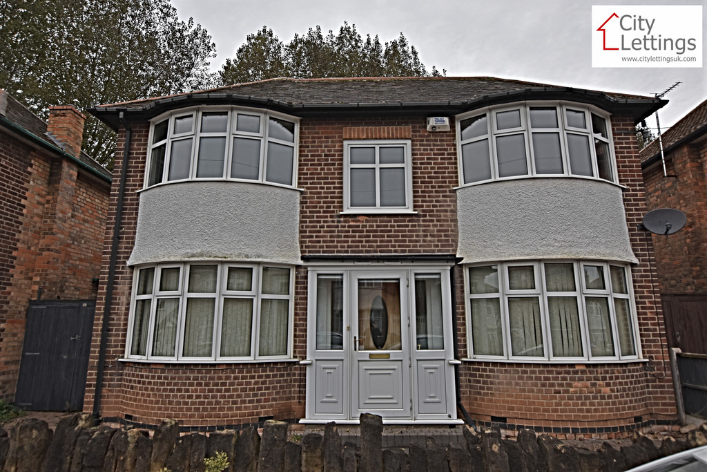 Spacious 3 bed detached house
